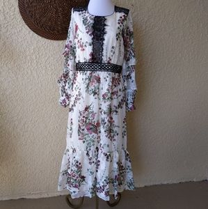 Taylor floral dress  with sheer sleeves